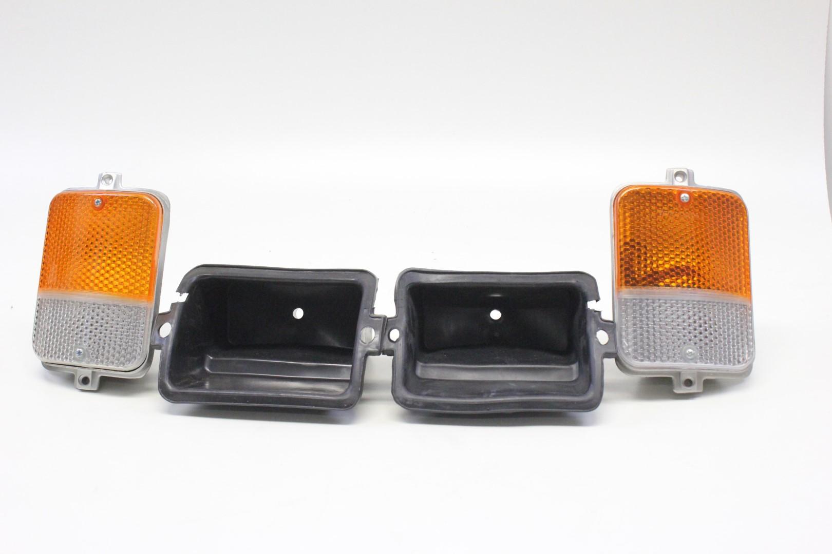 2x front turn signal light