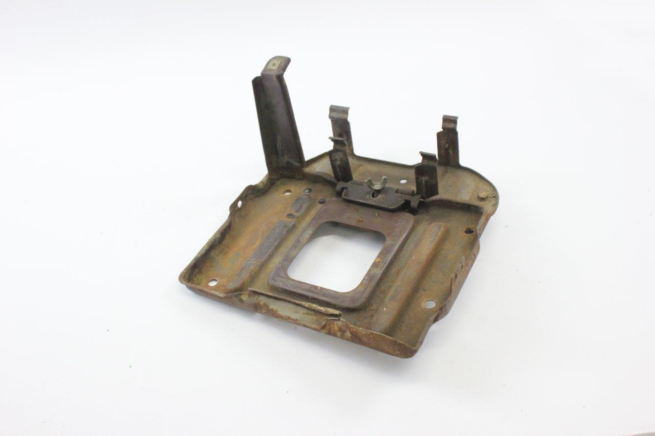 battery and windscreen cleaner tank bracket