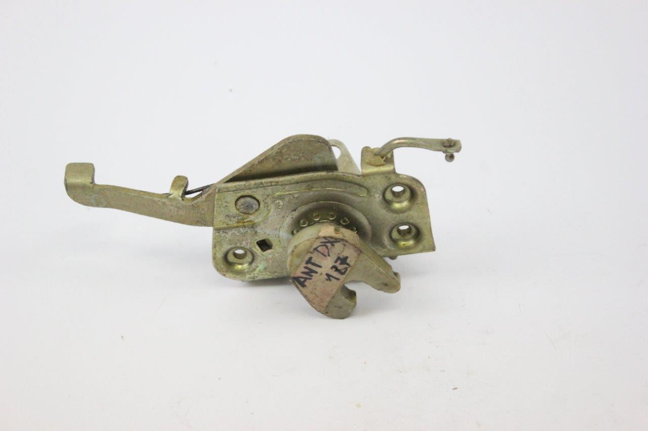 right door lock mechanism