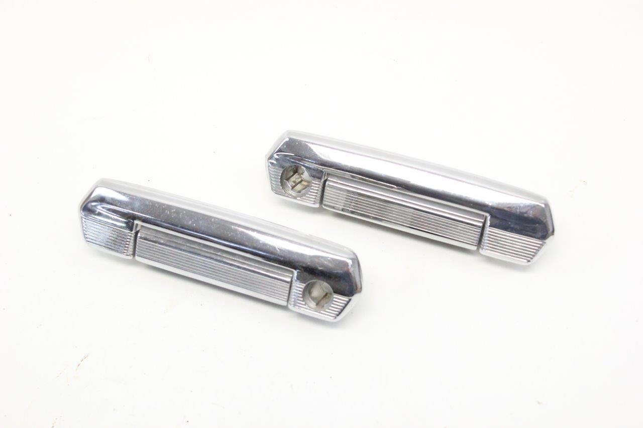 2x front exterior handle
