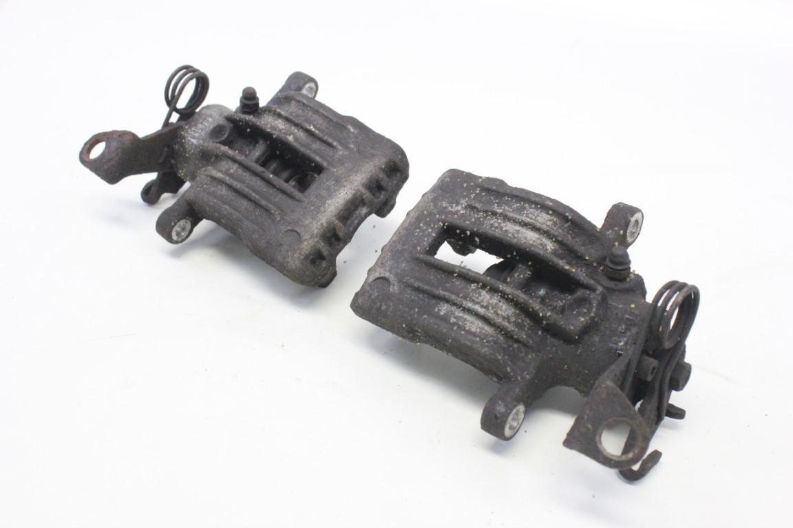 2x rear brake caliper