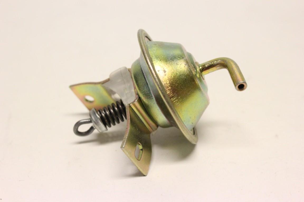 ignition distributor vacuum unit