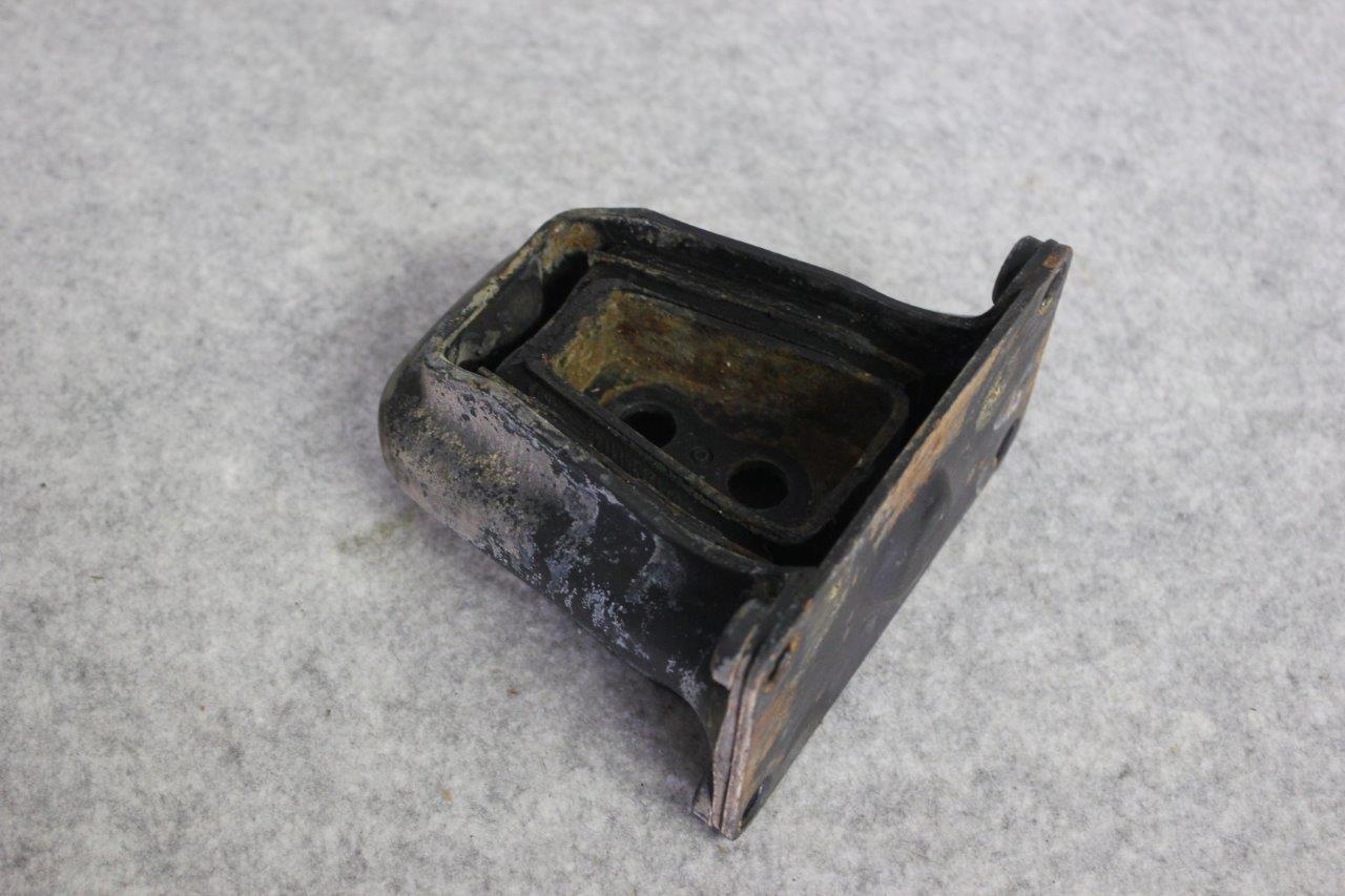 rear axle rubber bracket