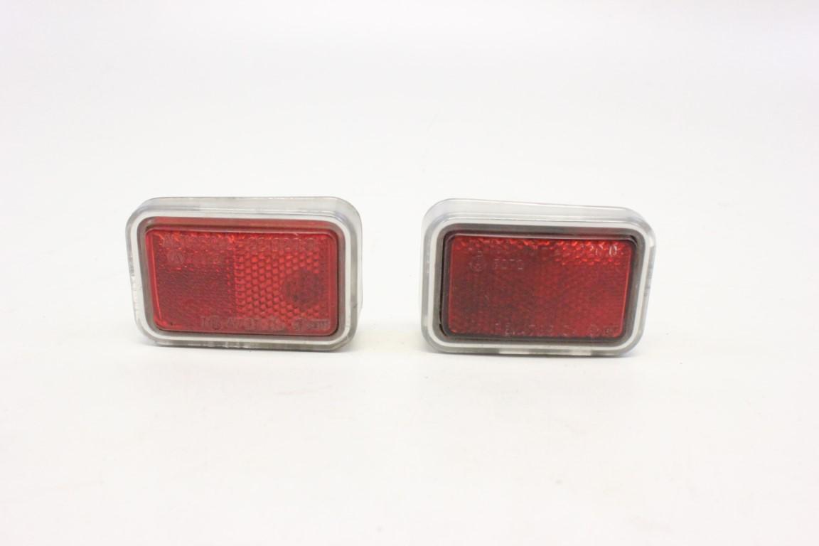 2x rear reflector light