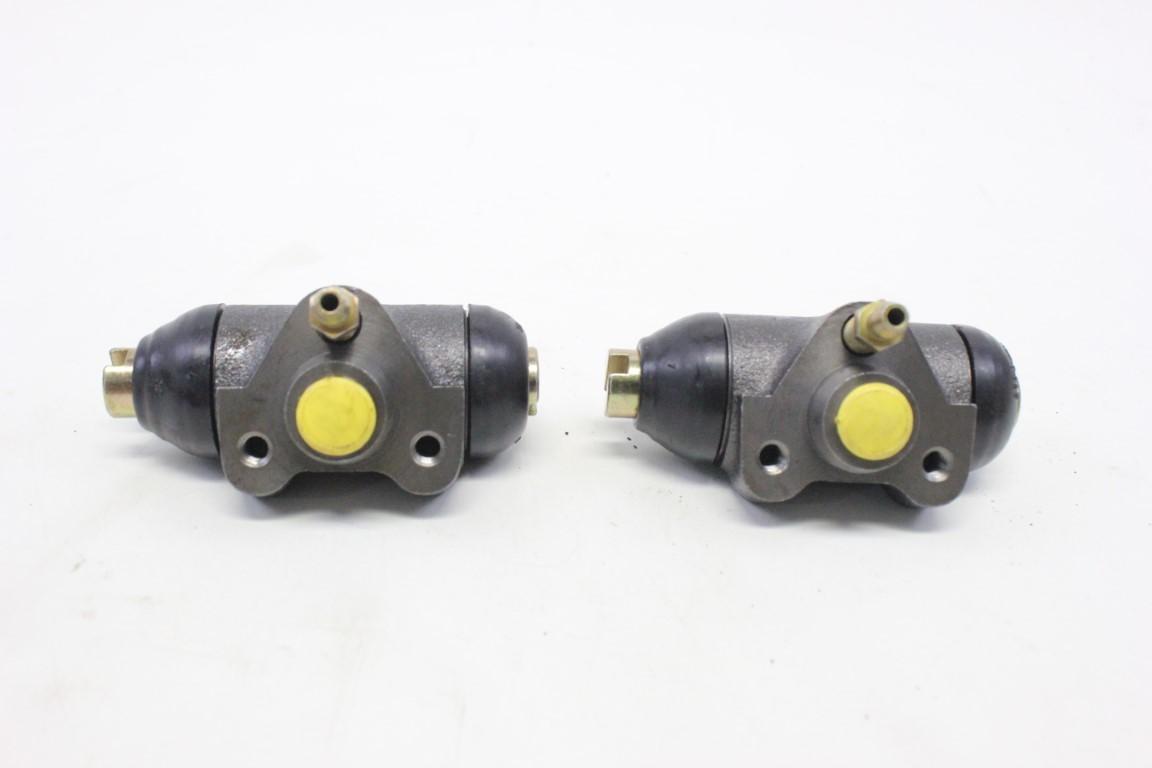 2x rear wheel brake cylinder