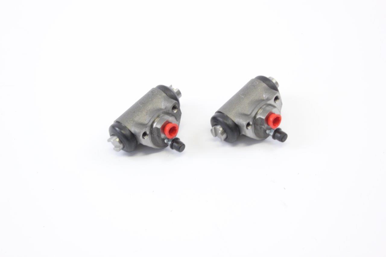 rear wheels brake cylinders