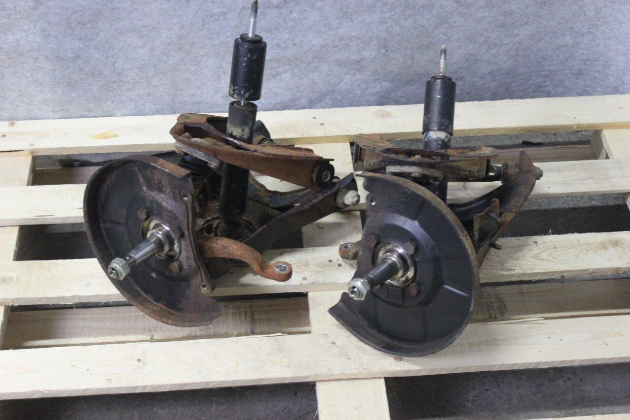 front wheel struts