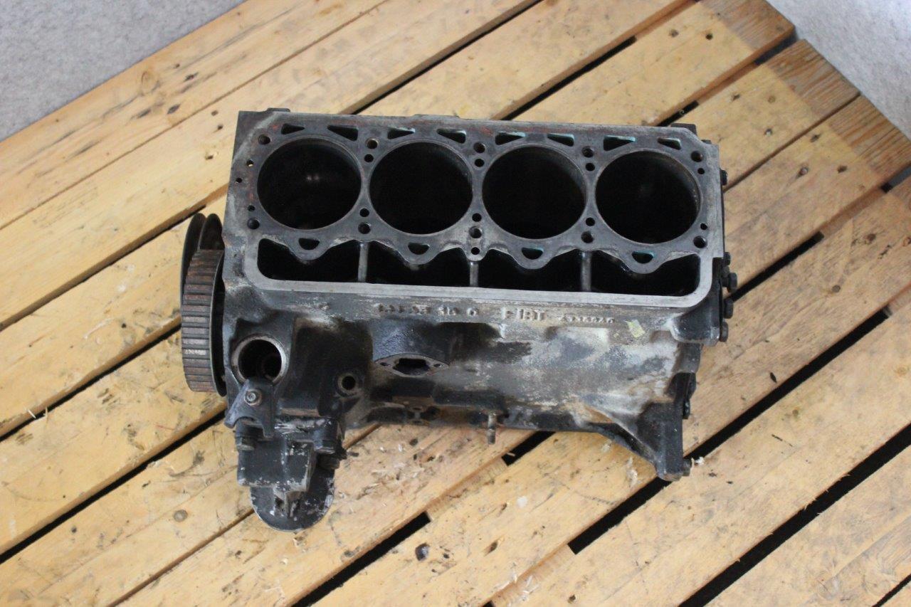 engine block with crankshaft