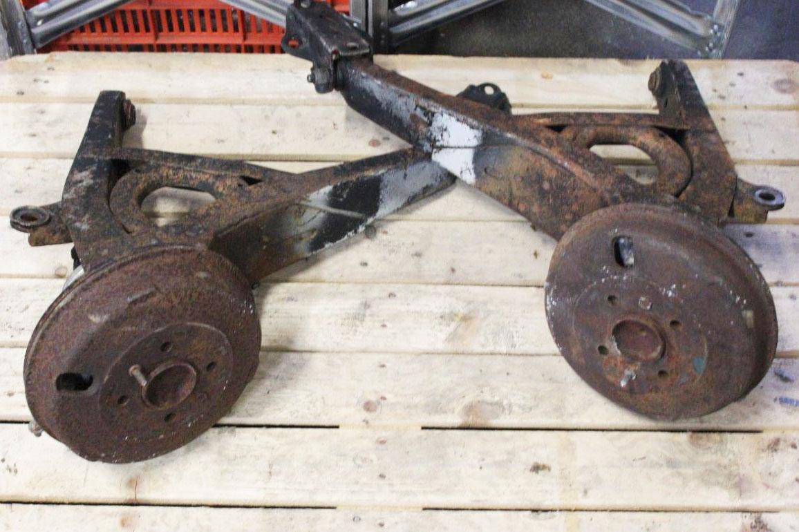 2x rear suspension wheel hub