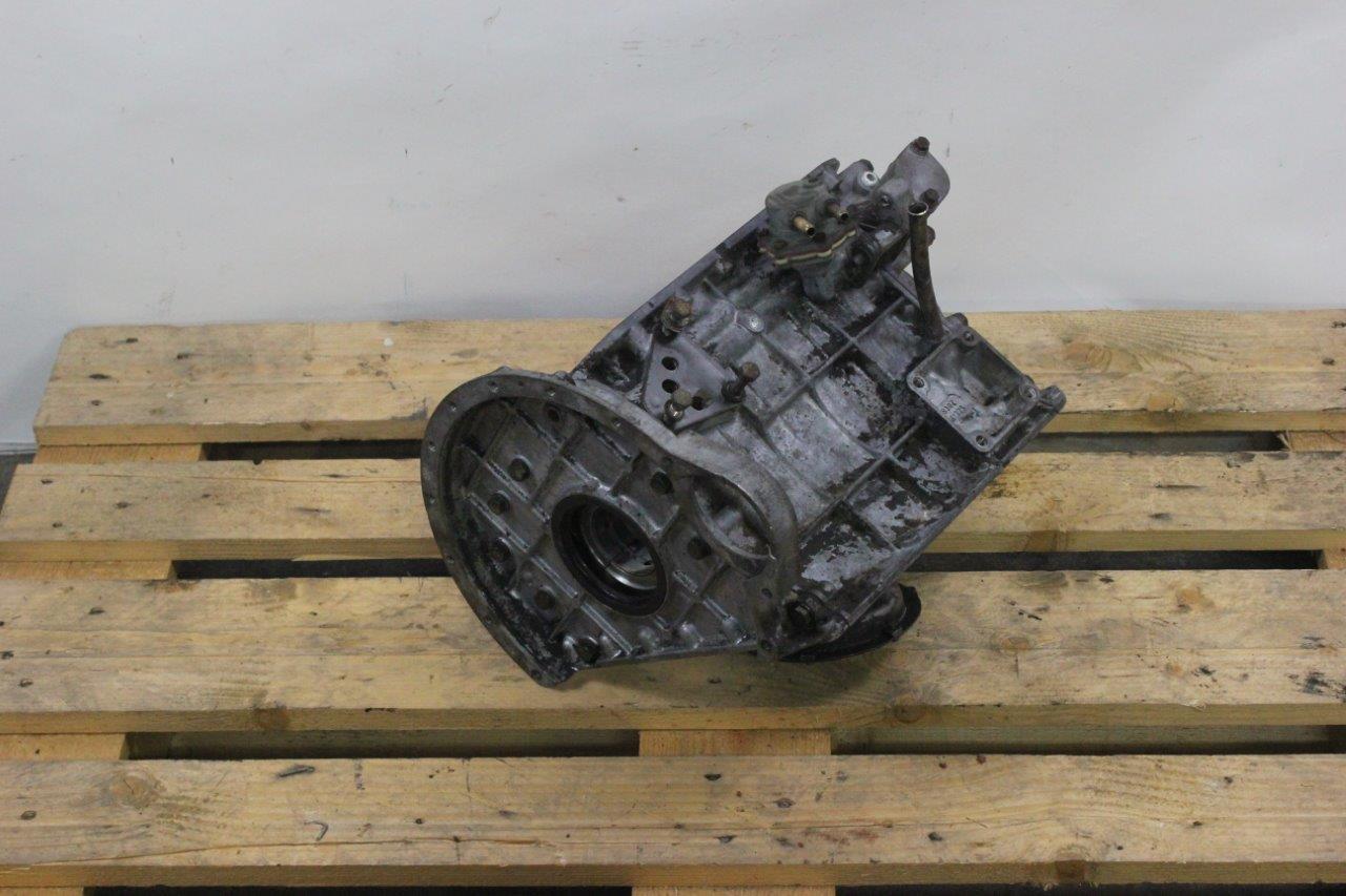 engine block crankshaft housing