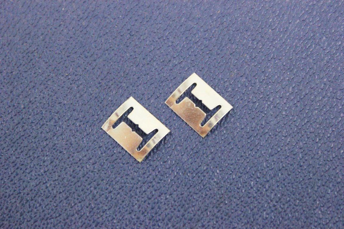2x emblem fitting clip