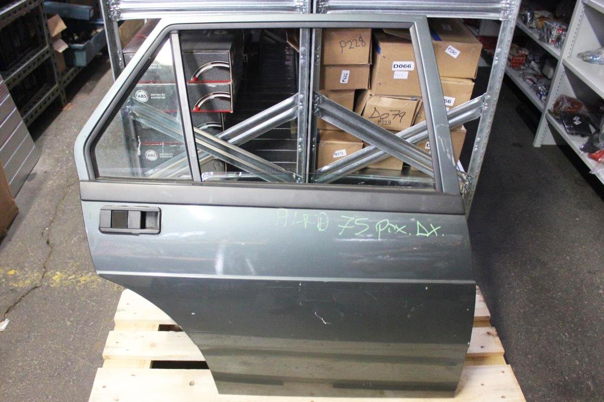 rear right door