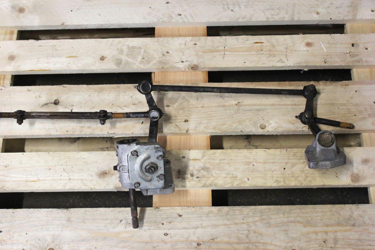 steering linkage with steering box