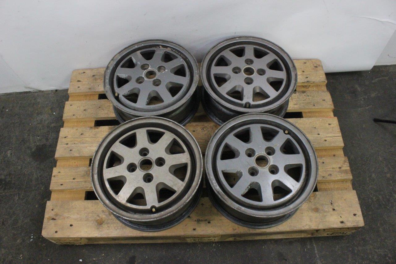 4x OEM alloy wheels